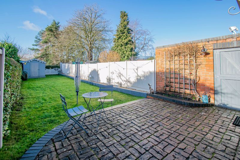 4 bed house for sale in Stourbridge Road  - Property Image 14