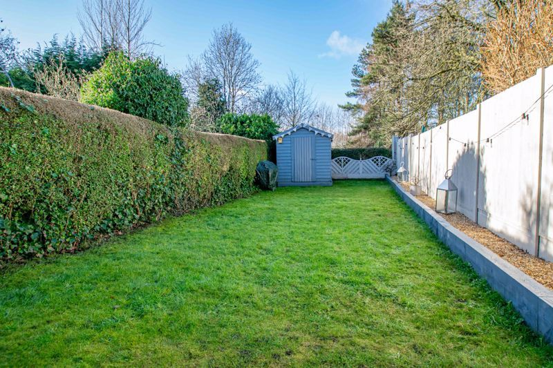 4 bed house for sale in Stourbridge Road  - Property Image 16