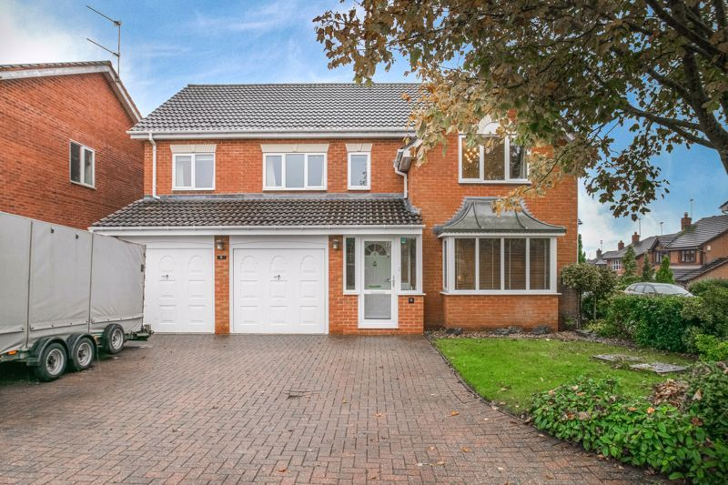 6 bed house for sale in Priest Meadow Close - Property Image 1