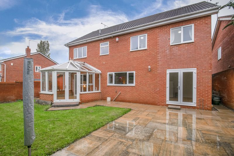 6 bed house for sale in Priest Meadow Close 13