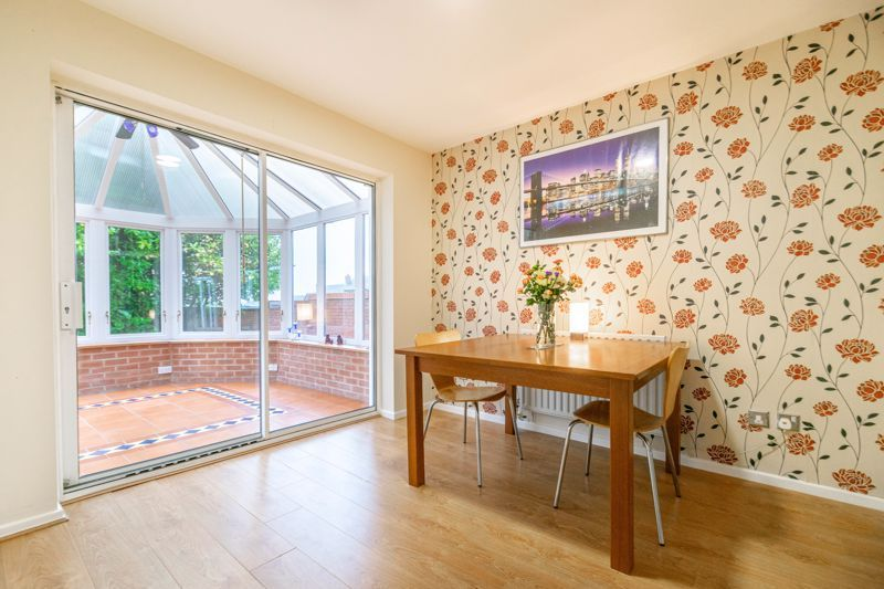 6 bed house for sale in Priest Meadow Close 3