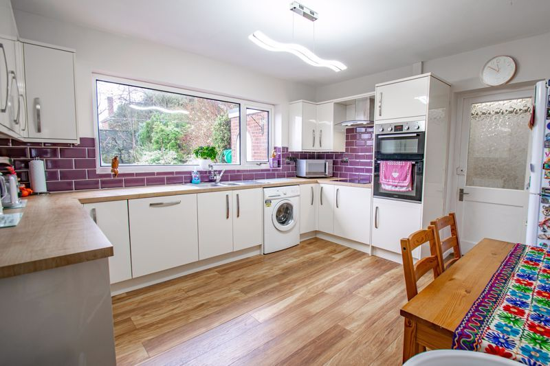 3 bed house for sale in Drew Crescent 2