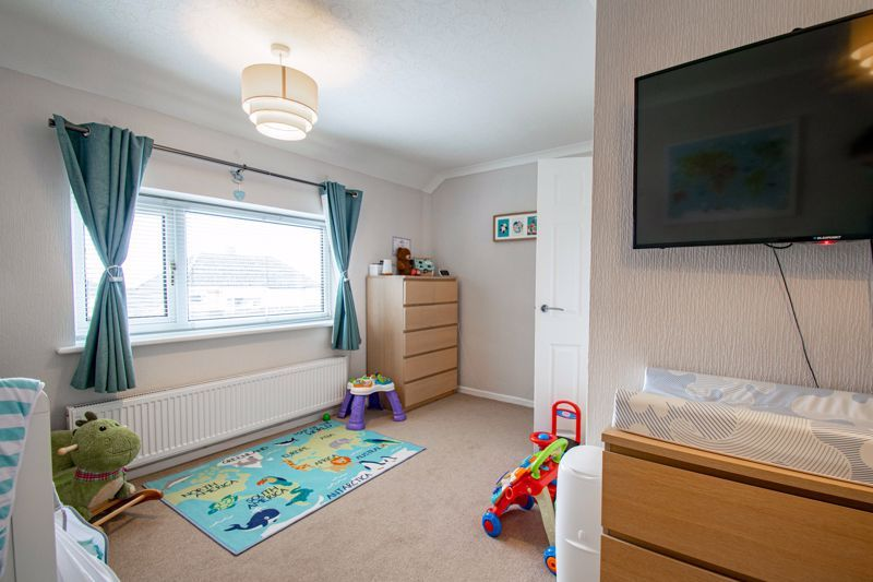 3 bed house for sale in Drew Crescent 11