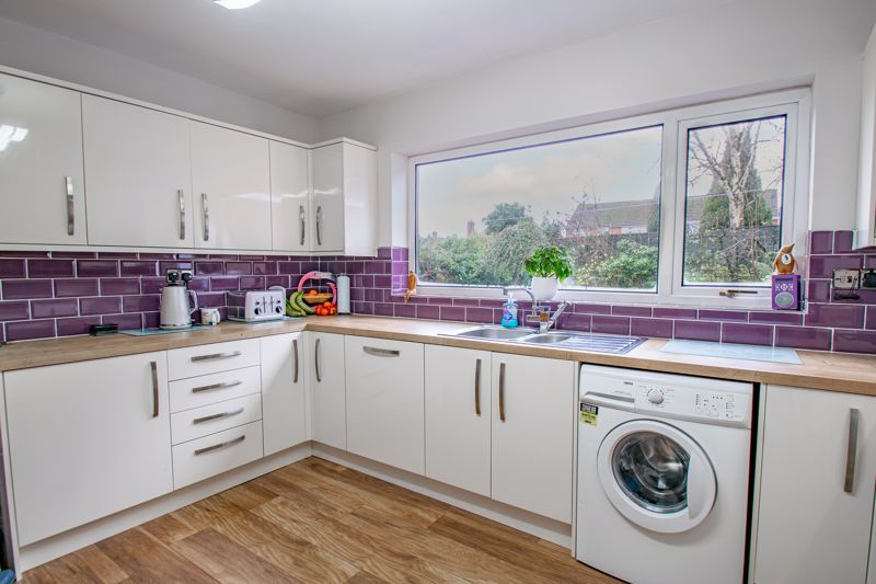 3 bed house for sale in Drew Crescent  - Property Image 3