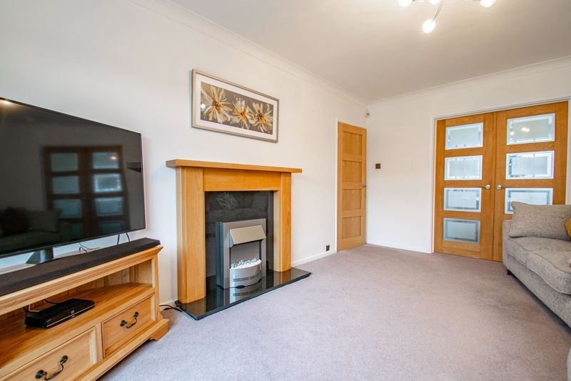 3 bed house for sale in Drew Crescent 4