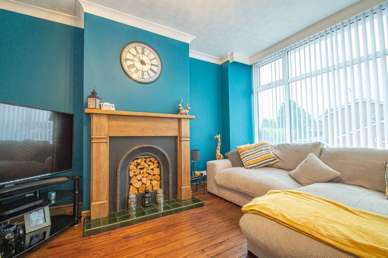 5 bed house for sale in Bell End 2