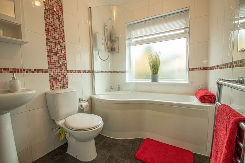 5 bed house for sale in Bell End 11