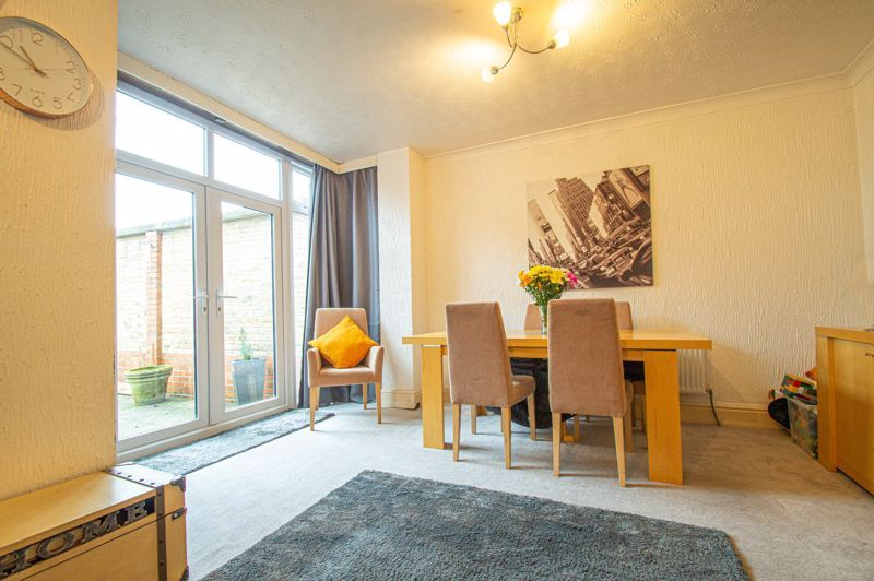 5 bed house for sale in Bell End 3