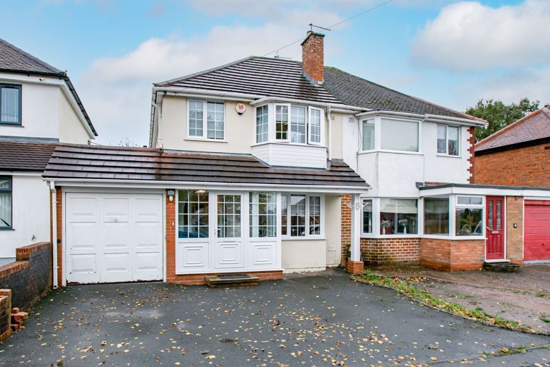 3 bed house for sale in Golden Cross Lane - Property Image 1