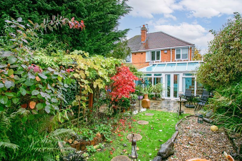 3 bed house for sale in Golden Cross Lane 13