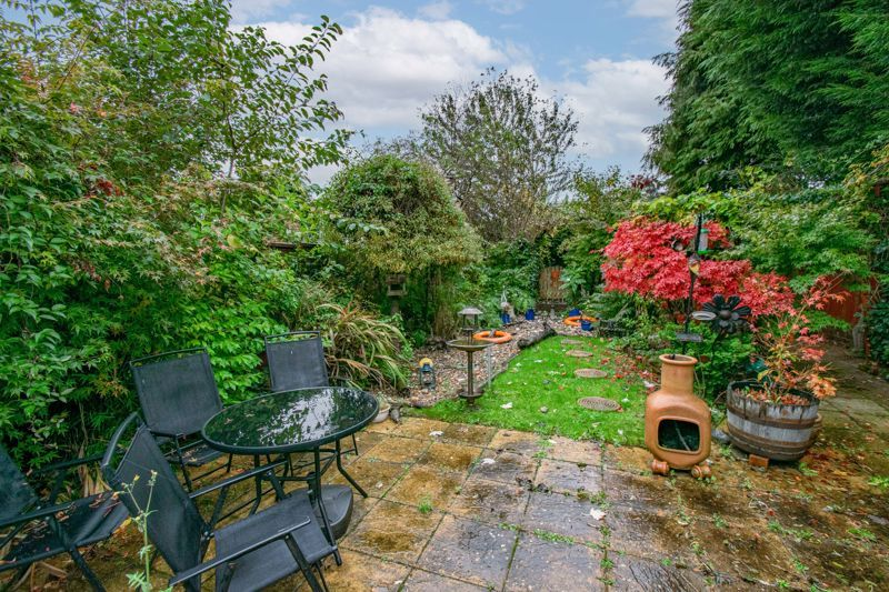 3 bed house for sale in Golden Cross Lane 14
