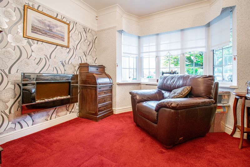 3 bed house for sale in Golden Cross Lane 6