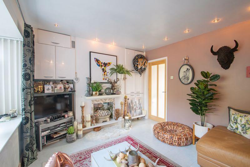 4 bed house for sale in Sandringham Road 16