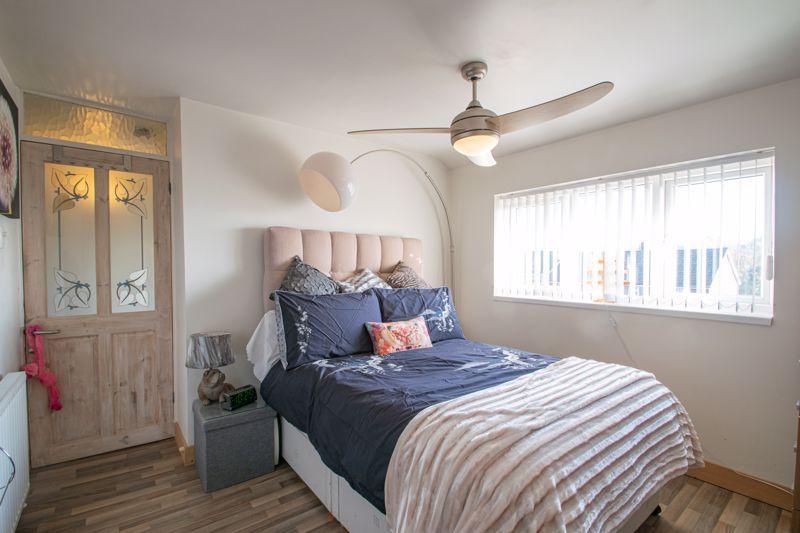 4 bed house for sale in Sandringham Road 18