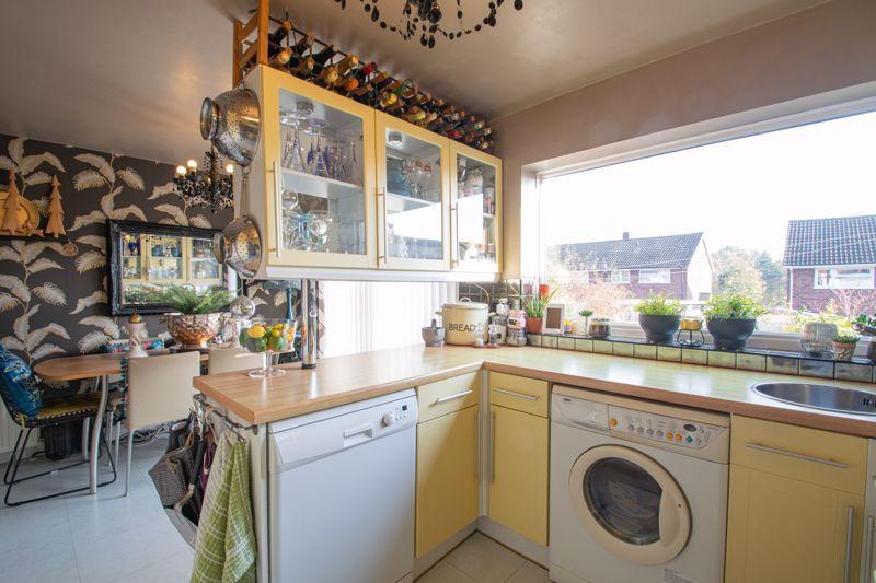 4 bed house for sale in Sandringham Road 4
