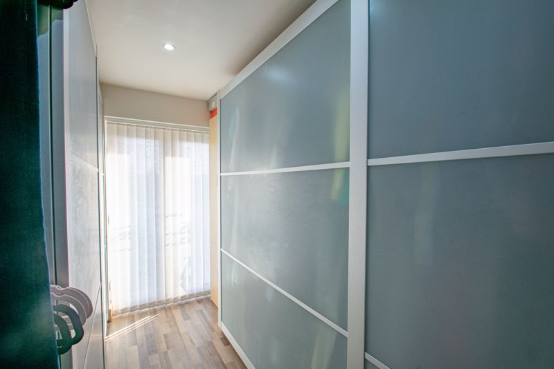 4 bed house for sale in Sandringham Road 9