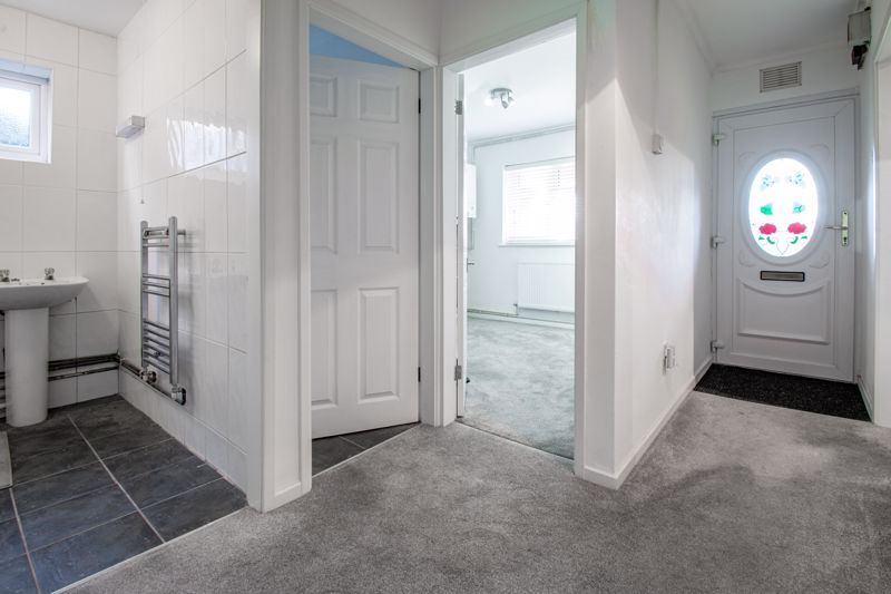 2 bed flat for sale in Stourbridge Road 2