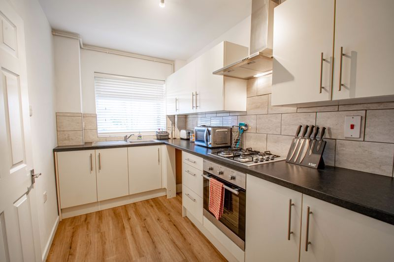 2 bed flat for sale in Stourbridge Road 3