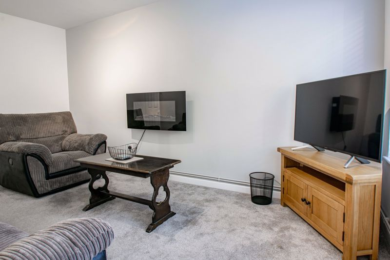 2 bed flat for sale in Stourbridge Road 5