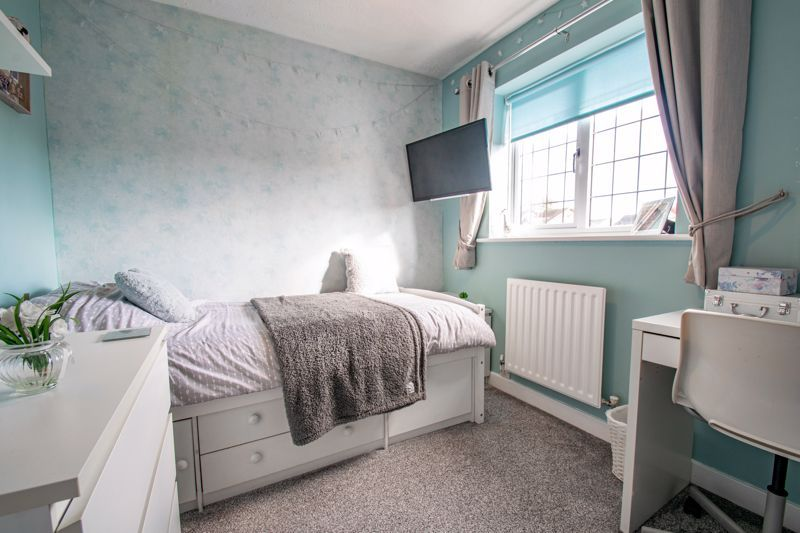 3 bed house for sale in Green Park Road 11