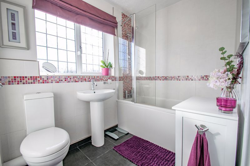 3 bed house for sale in Green Park Road  - Property Image 12