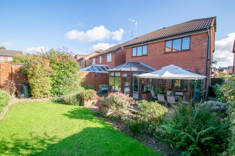 3 bed house for sale in Green Park Road 13
