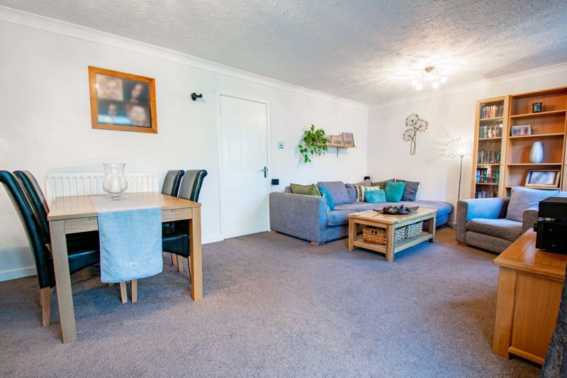 3 bed house for sale in Green Park Road 4