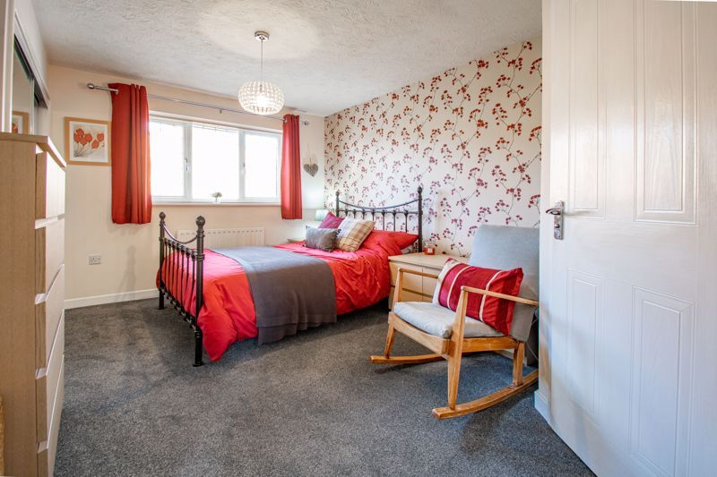 3 bed house for sale in Green Park Road 8