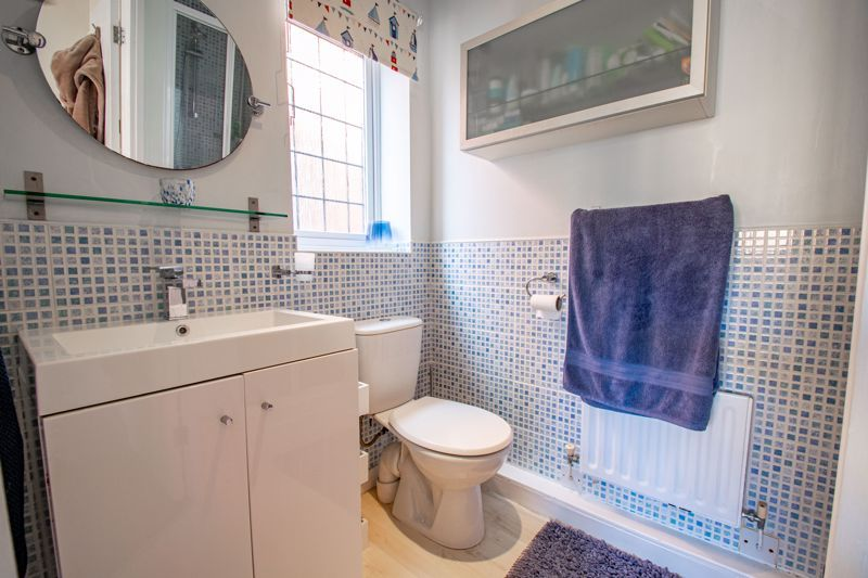 3 bed house for sale in Green Park Road 9