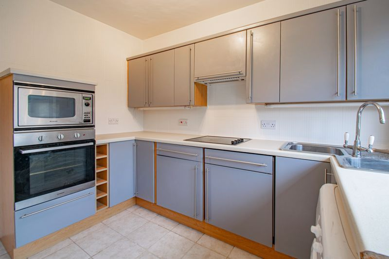 2 bed bungalow for sale in Parkfield Road 4