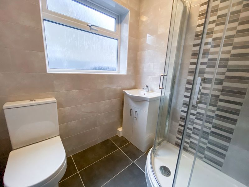 2 bed bungalow for sale in Parkfield Road  - Property Image 7