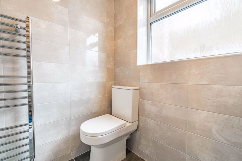 2 bed bungalow for sale in Parkfield Road  - Property Image 8