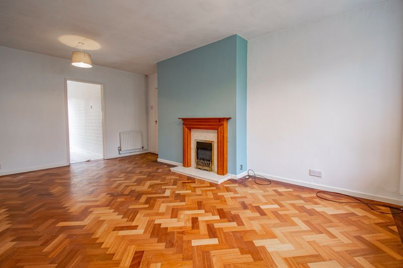 2 bed bungalow for sale in Parkfield Road  - Property Image 9