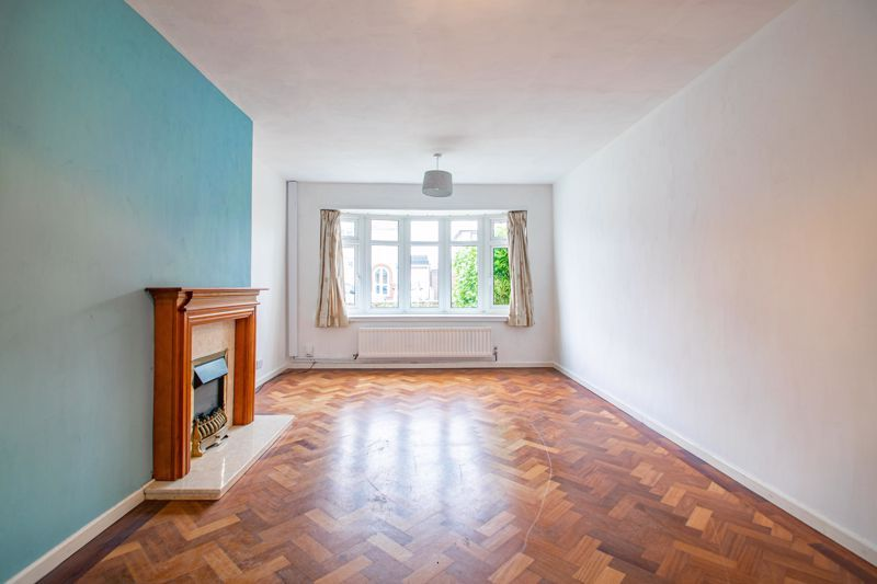 2 bed bungalow for sale in Parkfield Road 10