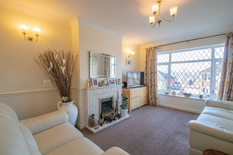 2 bed bungalow for sale in Birchgate 2