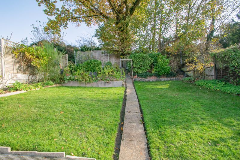 2 bed bungalow for sale in Birchgate 12