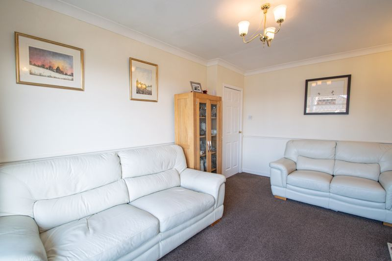 2 bed bungalow for sale in Birchgate 3