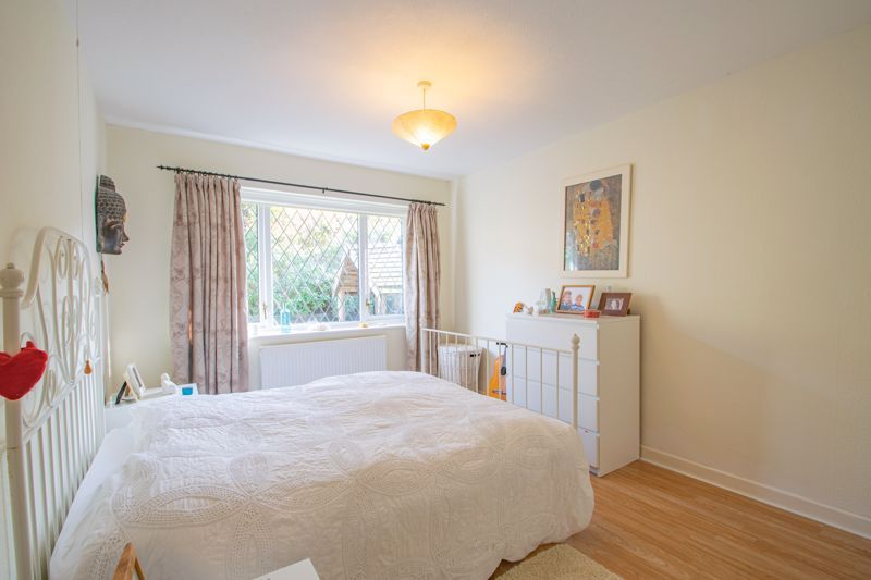 2 bed bungalow for sale in Birchgate 7