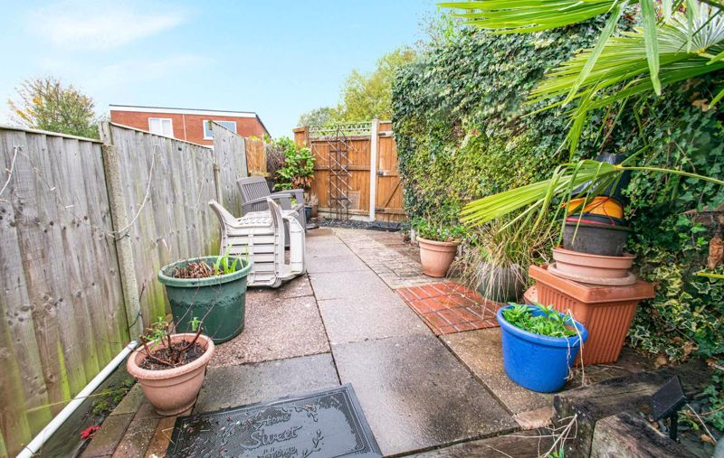 2 bed house for sale in Bridgnorth Road  - Property Image 12