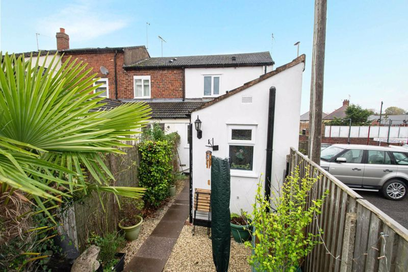 2 bed house for sale in Bridgnorth Road  - Property Image 13