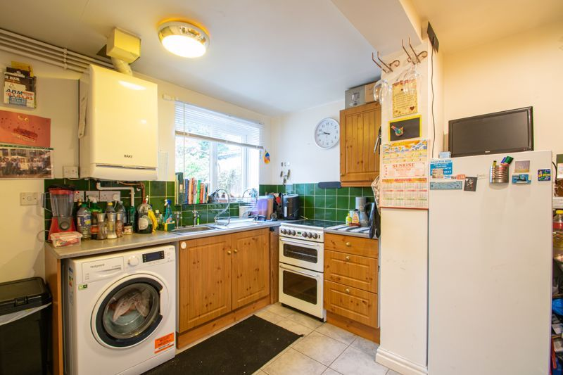 2 bed house for sale in Bridgnorth Road 14