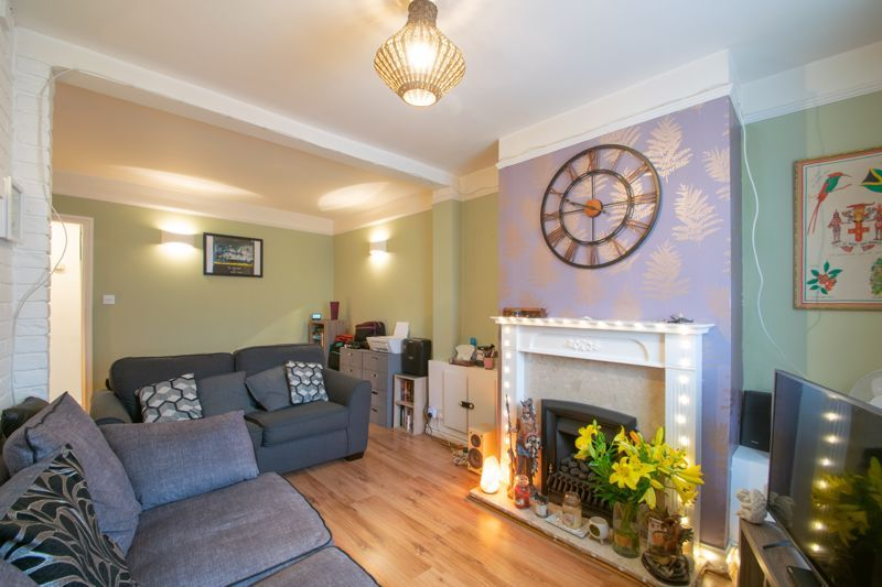 2 bed house for sale in Bridgnorth Road  - Property Image 3