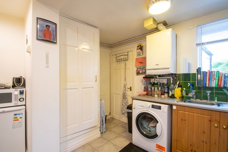 2 bed house for sale in Bridgnorth Road  - Property Image 5