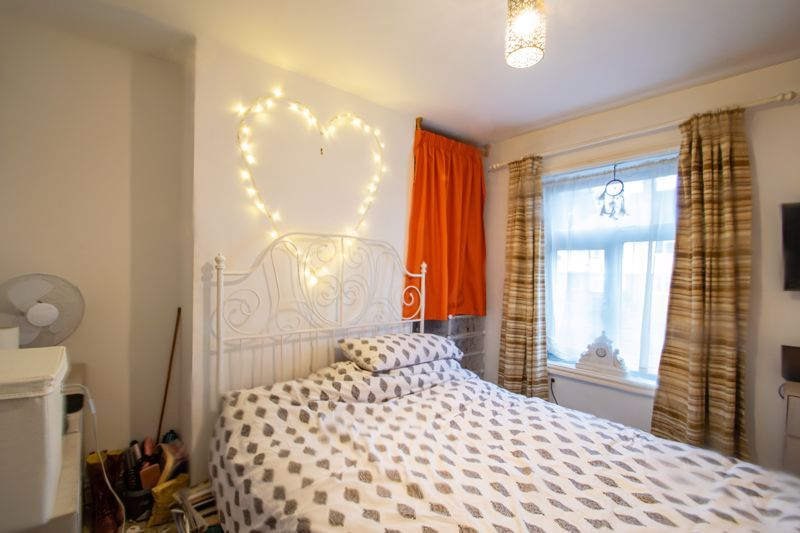 2 bed house for sale in Bridgnorth Road  - Property Image 6