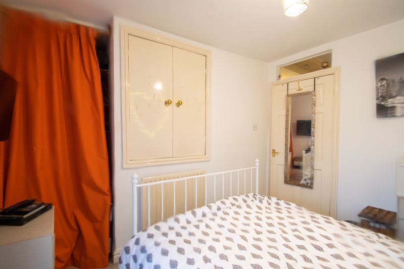 2 bed house for sale in Bridgnorth Road 7