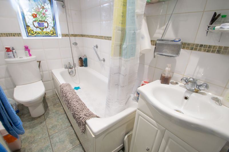 2 bed house for sale in Bridgnorth Road  - Property Image 9