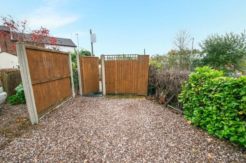 2 bed house for sale in Bridgnorth Road  - Property Image 10