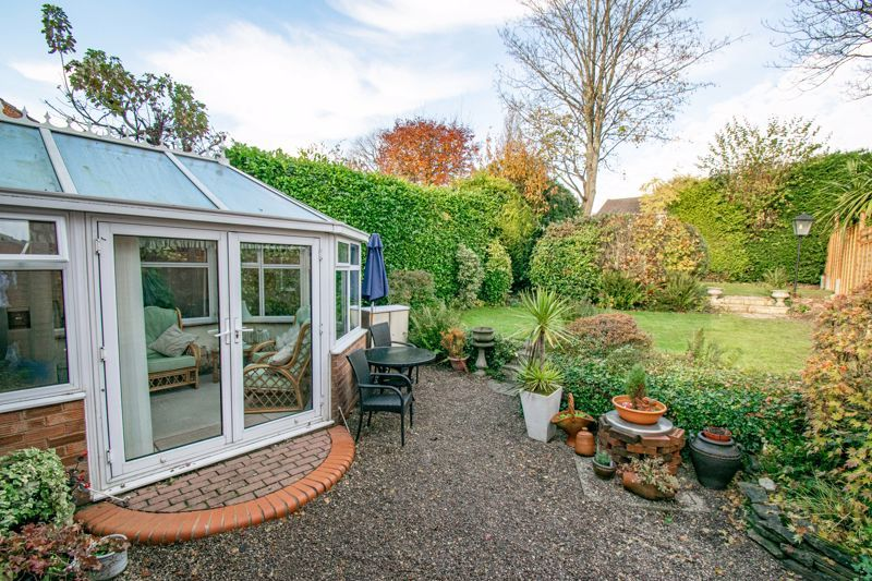 4 bed house for sale in Hopgardens Avenue 13