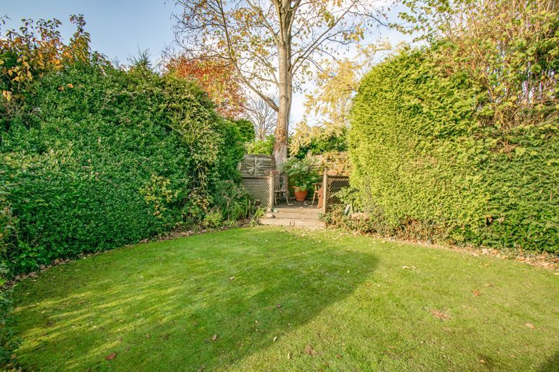 4 bed house for sale in Hopgardens Avenue 14
