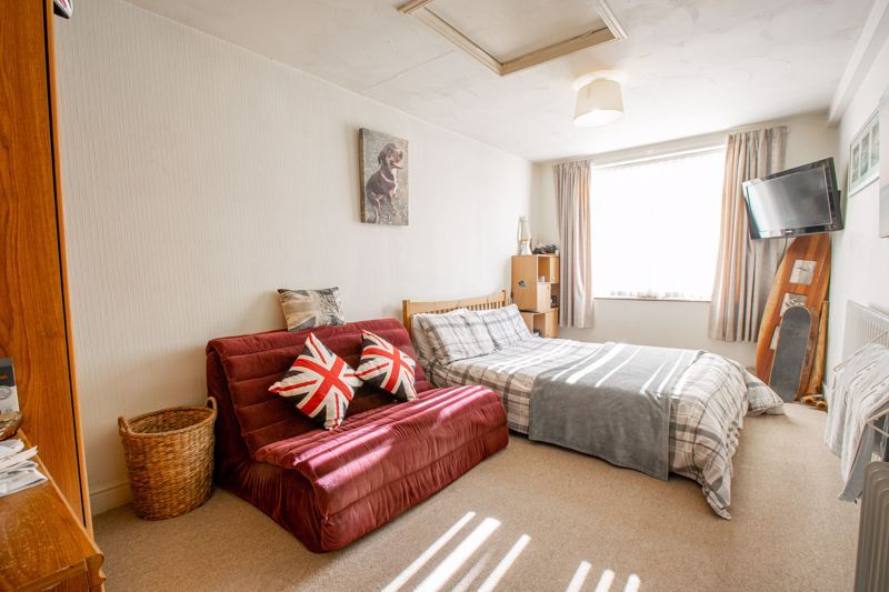 4 bed house for sale in Hopgardens Avenue  - Property Image 7